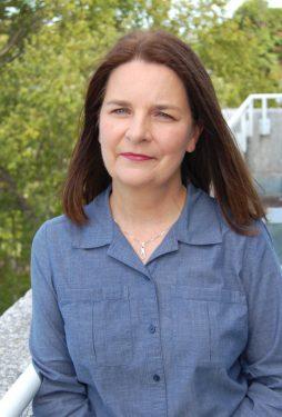 Headshot of Michelle Brandt.