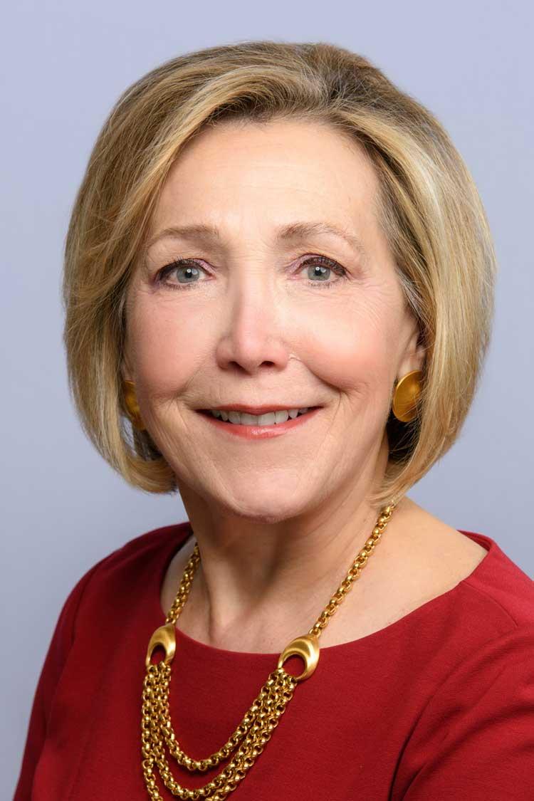 Headshot of Ellen Shearer